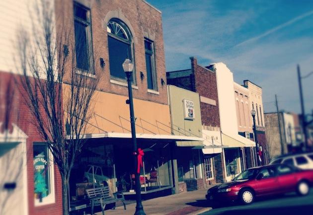 Main St, Small Town, TN